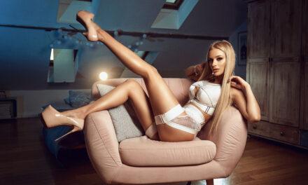 SABRINA KRISTAL – the blonde bombshell